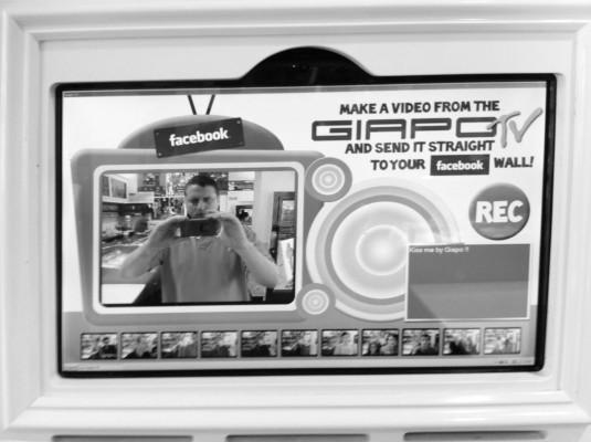 Giapo Gelato Social Media Touchscreen